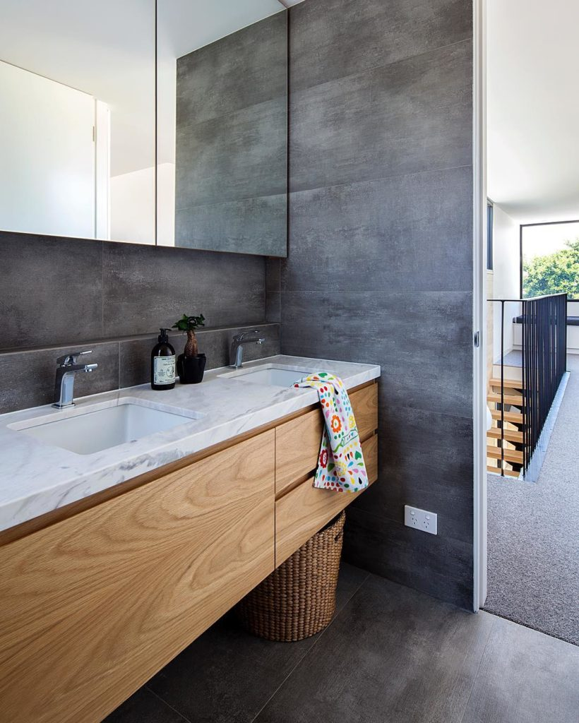 Traditional Contemporary Bathrooms Ltd: COS Interiors Pty Ltd, Cabinet Makers Melbourne
